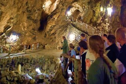 Aqualodge - Lodges insolites | Grotte Merveilleuse Dinant