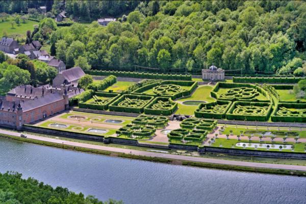 Aqualodge - Lodges insolites | Château de Freyr