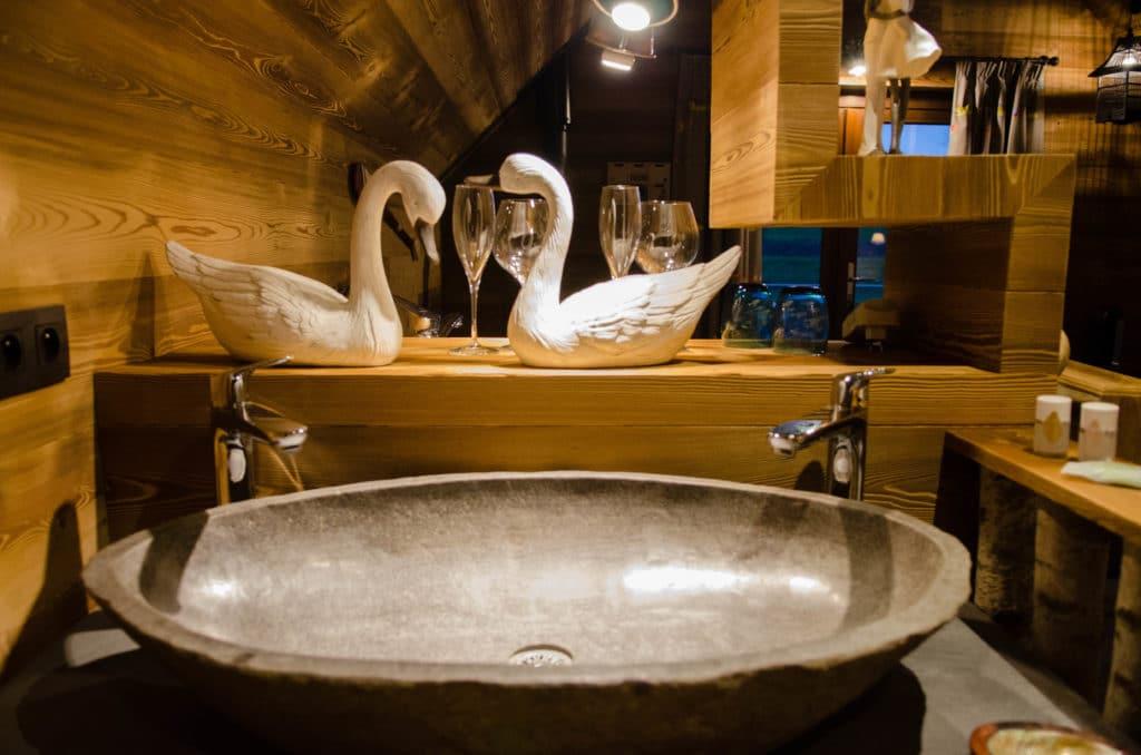 Aqualodge - Lodges insolites | La Balade du Cygne 5